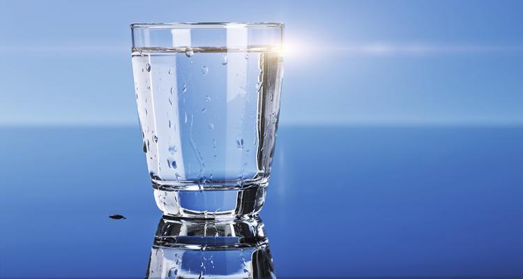 Колко вода да пием дневно?