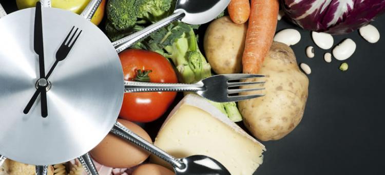 Как бавното хранене може да ви помогне да отслабнете